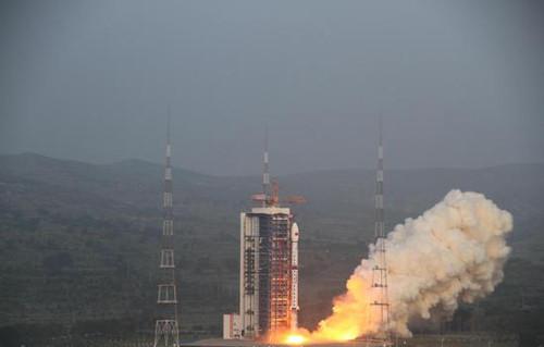 """中国首颗高轨遥感卫星发射 将为地球拍""""大片"""""""